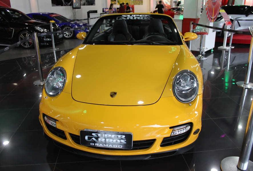 Porsche em exposição no Salão Super Carros de Gramado.