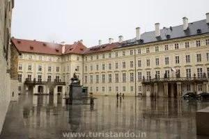 Praga 13gen2016 13 300x200 Visitando o castelo de Praga: o maior castelo do mundo