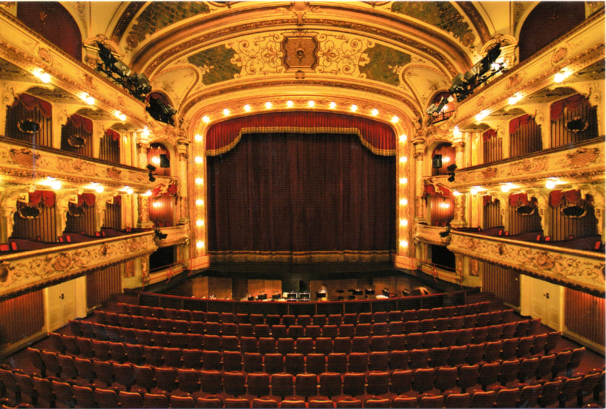 Teatro Nacional Croata de Zagreb  Turista Ocasional