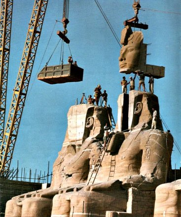 Reconstruccion-Colosos-Abu-Simbel_0