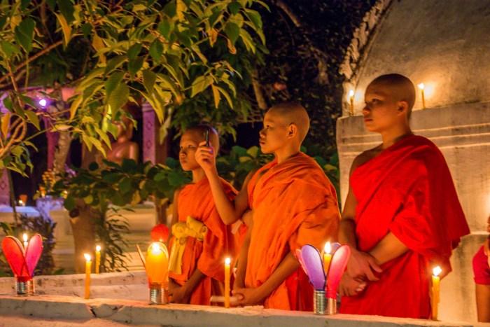 Monges na festa