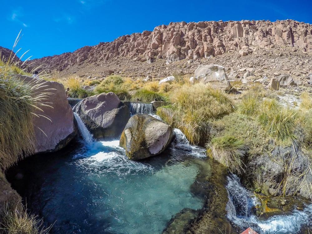 Termas de Puritama: descubra as águas termais no Deserto do Atacama