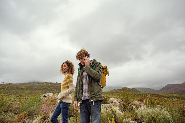 vodafone Couple hiking 600x400