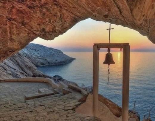 locuri frumoase syros