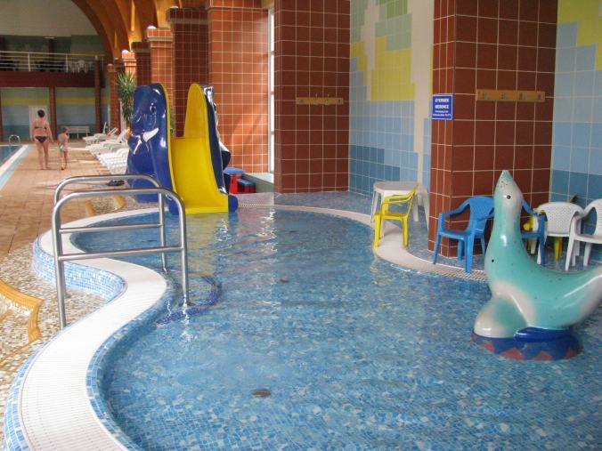 AquaPalota Gyula - gyomaendrod indoor kids pool