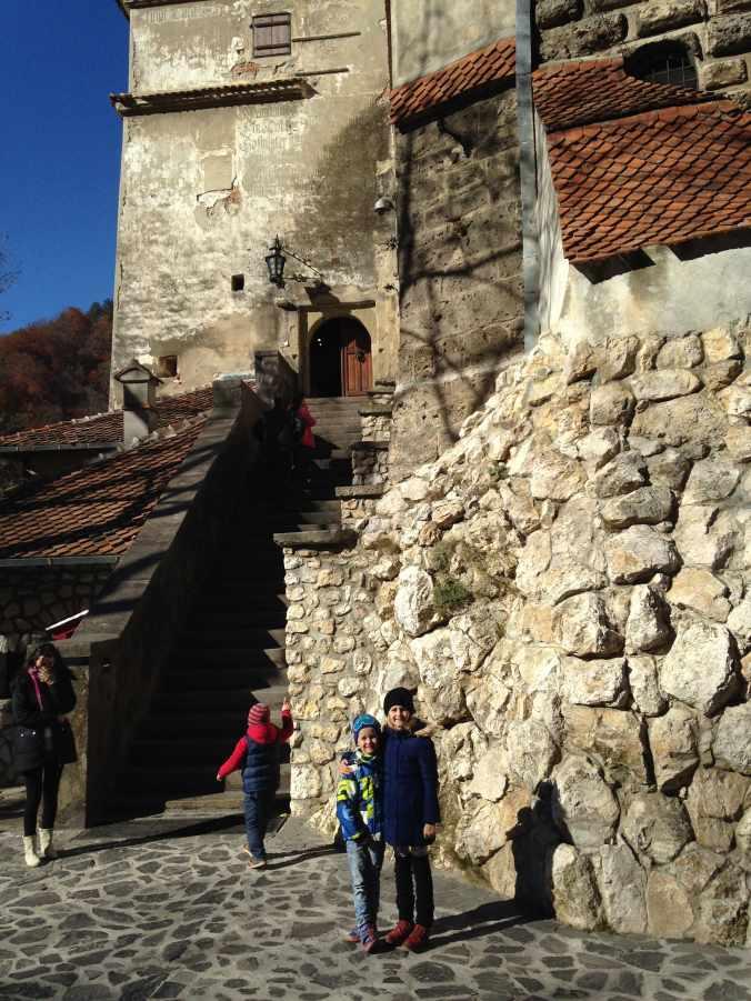 Castelul Peles si Castelul Bran - bran view
