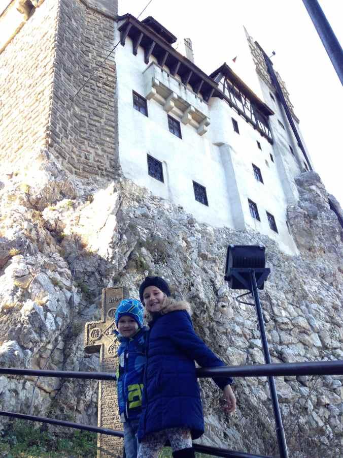 Castelul Peles si Castelul Bran - entrance
