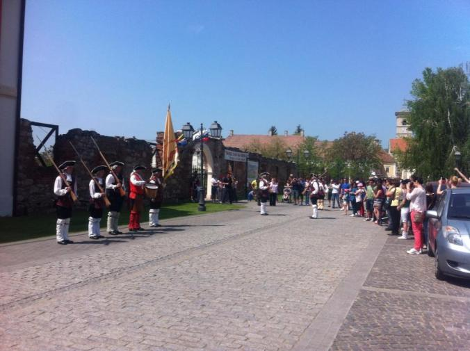 Cetatea Alba-Iulia - schimbarea garzii