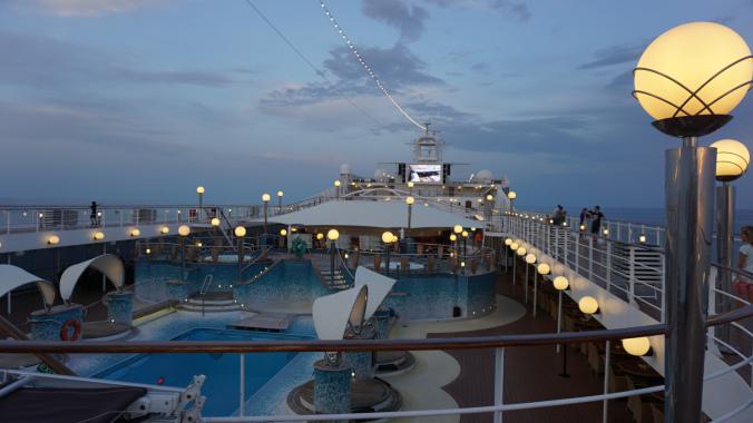 Croaziera pe Mediterana - ship sunset