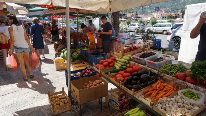 Kotor - market