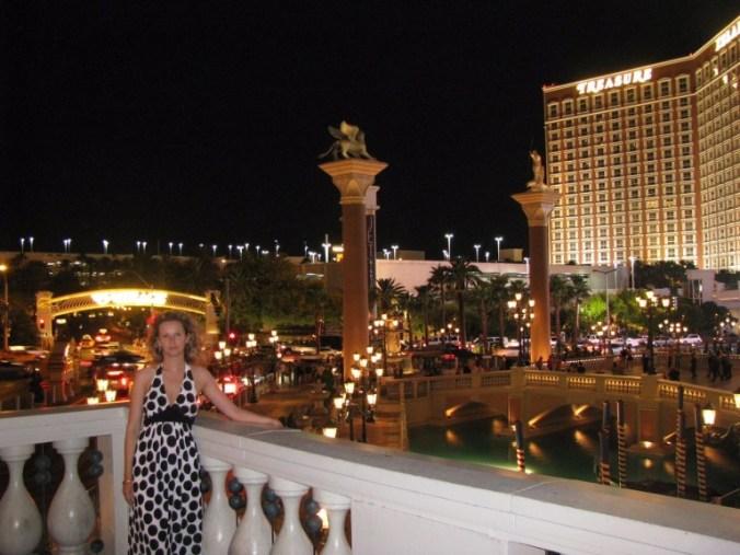 Las Vegas - treasure island hotel1