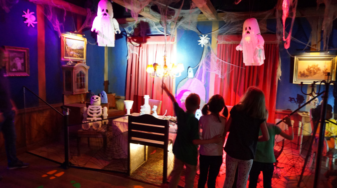 Legoland Danemarca - park attraction haunted house1
