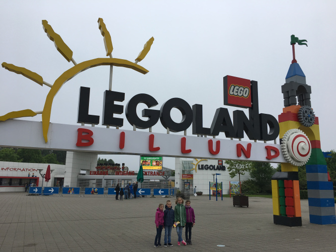 Legoland-Danemarca-park-entrance1