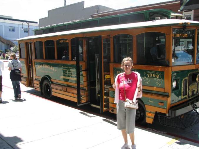 Monterey - bus