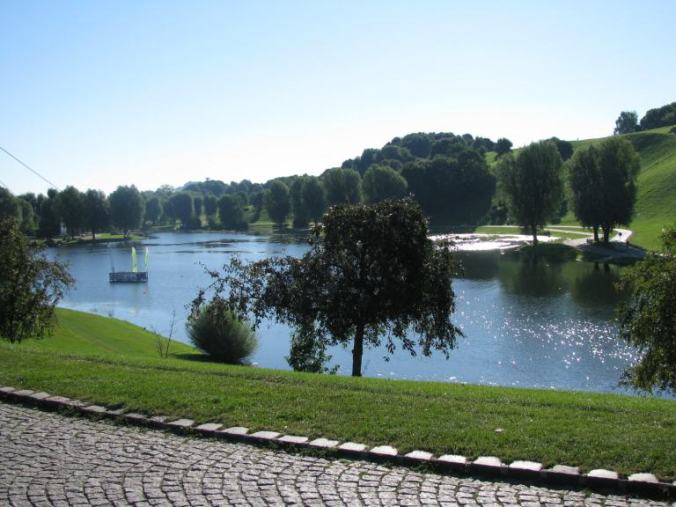 Munchen - olympiapark lake
