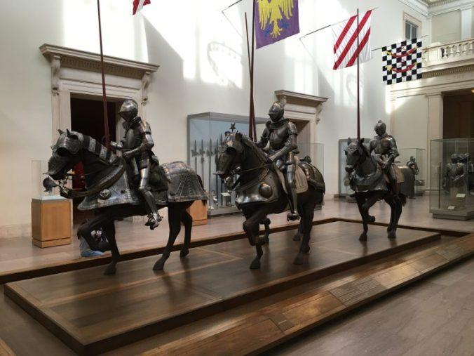 New York MET - knights