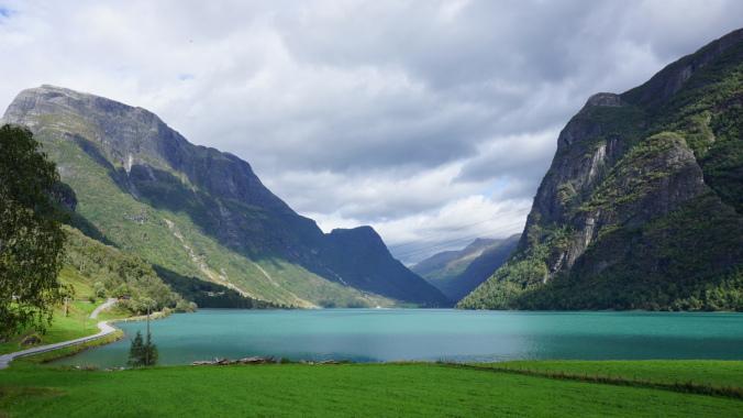 Norvegia - briksdal glacier lake 2