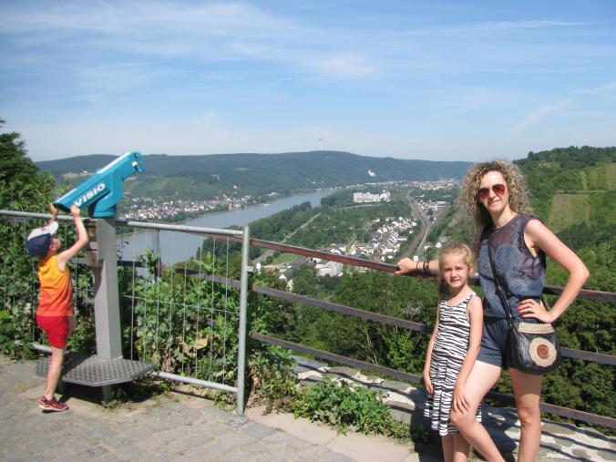 Valea Rinului - marksburg castle view