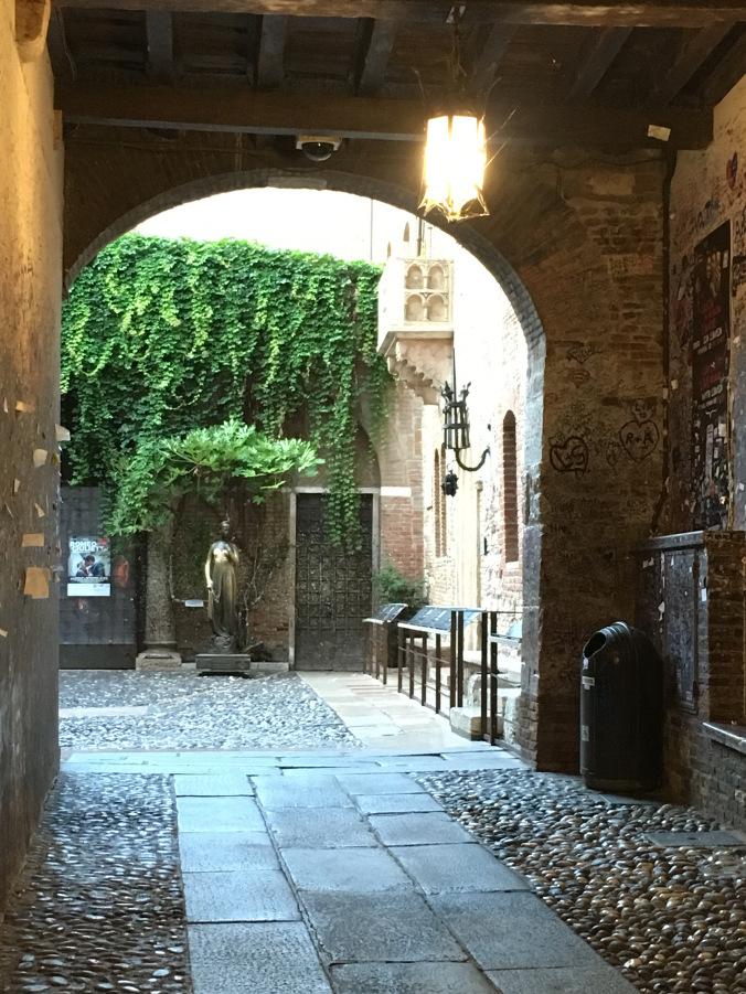 Verona - giulietta house balcony