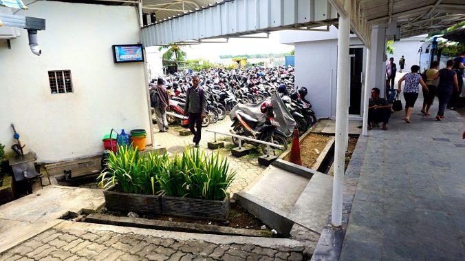 Indonezia - ferry terminal