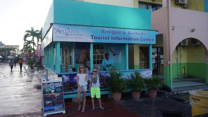 Antigua si Barbuda - heritage quay