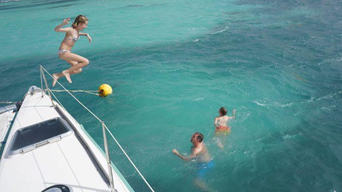 croaziera in caraibe - catamaran jump