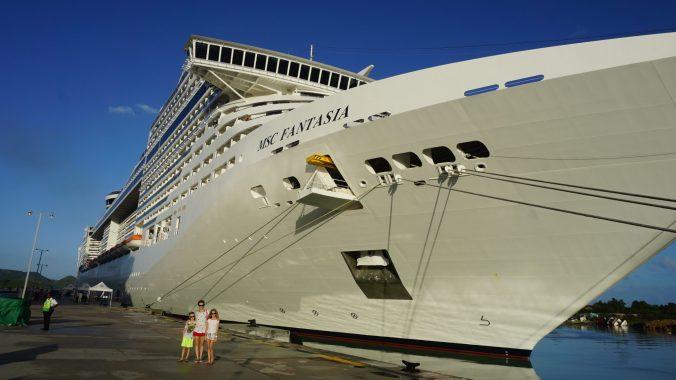 croaziera in caraibe - ship
