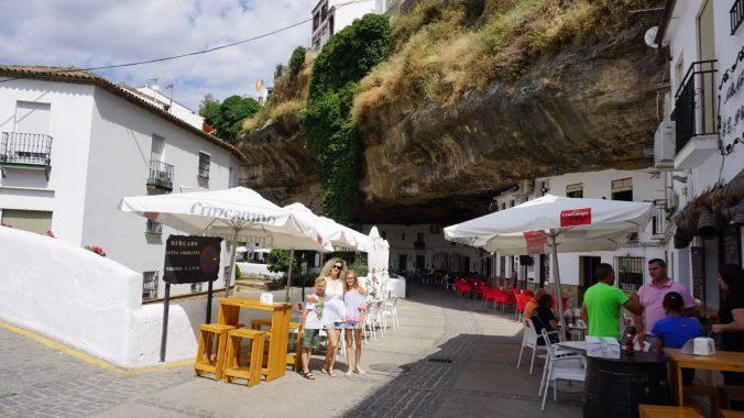 Setenil de la Bodegas -cuevas del sol