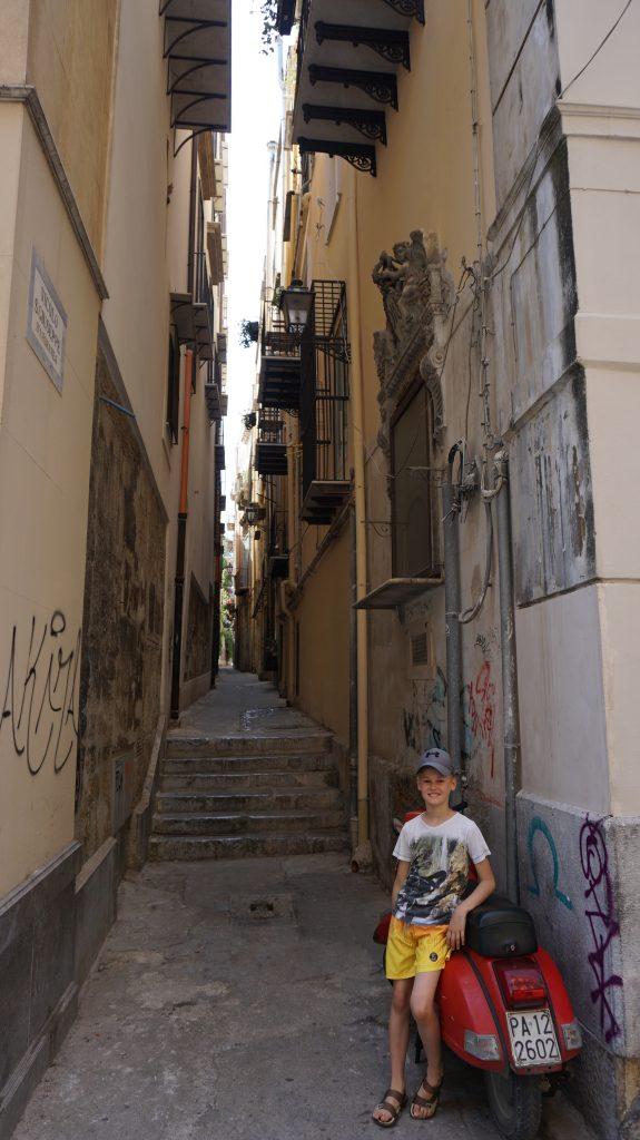 Palermo - narrow street