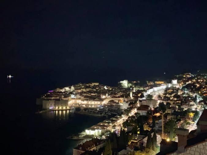 dubrovnik - by night