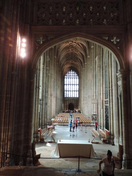 Canterbury, navata laterale vista dal coro della Cattedrale