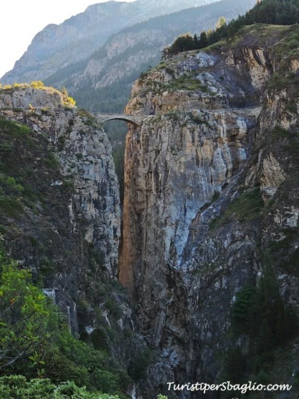 Vallée de l'Ubaye - Lac de 9 Couleurs - 001_new