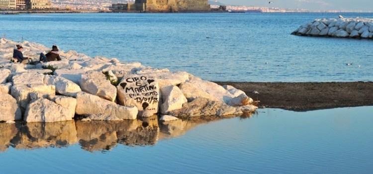 #dimmicosaleggi – 5 libri da leggere prima di (o dopo) un viaggio a Napoli