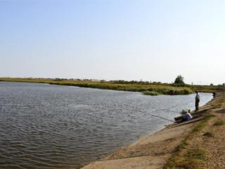 Озеро Черный дол