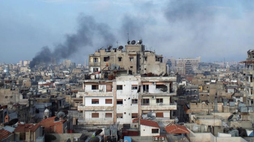 Suriye rejimi Humus'u bombalıyor