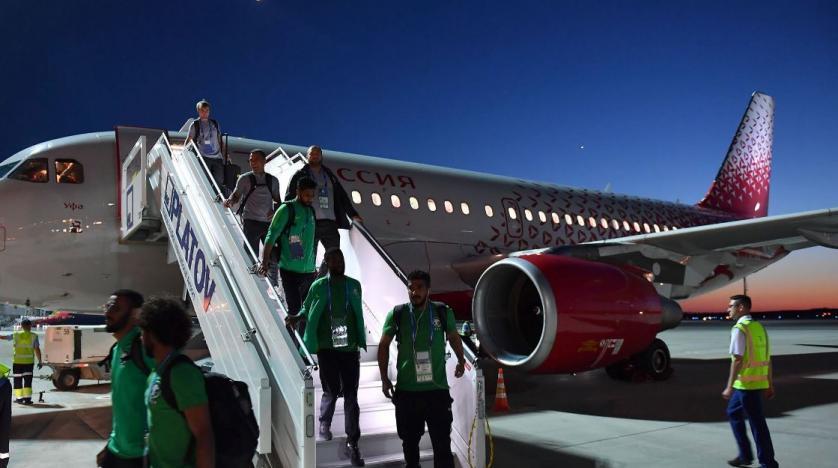Suudi Arabistan Milli Takımı'nı taşıyan uçağın motoru alev aldı