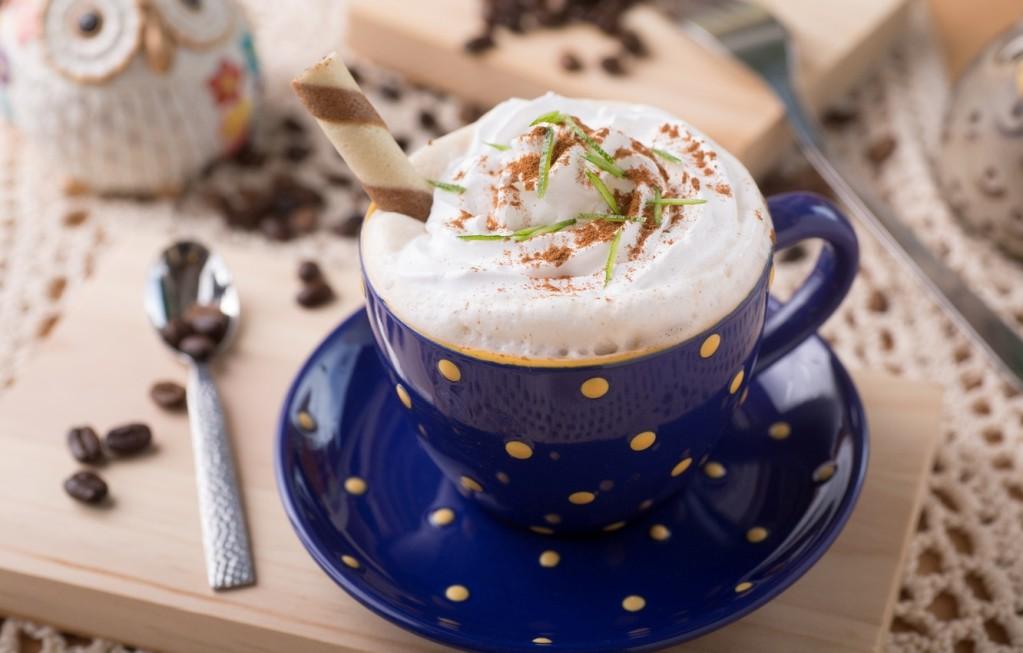 Сіз кремді кофеге қосуға болады