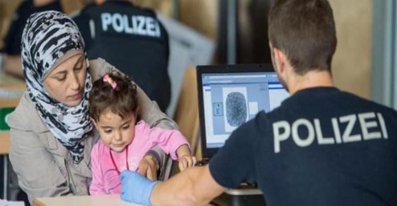 Photo of ألمانيا على أبواب قرار جديد بخصوص اللاجئين السوريين في ألمانيا .. إليكم التفاصيل