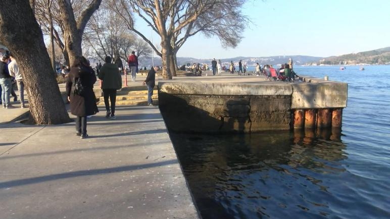 اسطنبول.. سقوط امرأة في البحر وسائح ايراني ينقذها
