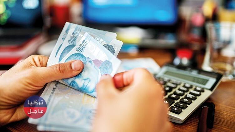 مواقع عالمية تسجل انخفاضاً لليرة التركية مقابل الدولار قُبيل يوم الإثنين بساعات