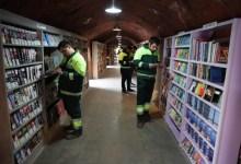 books, refuse collectors, thrash, library, books