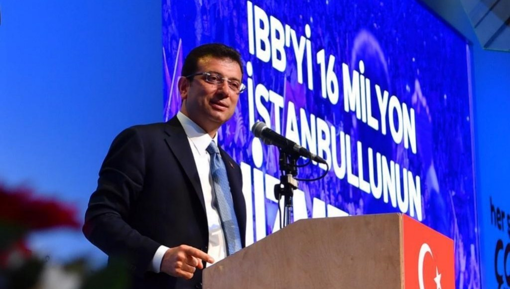 Opposition politician Ekrem Imamoglu speaking.