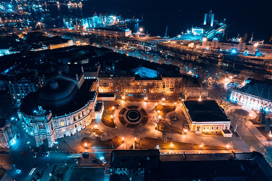 Night view of the opera house in Odessa
