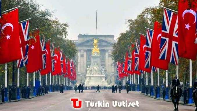 Turkin ja Englannin liput