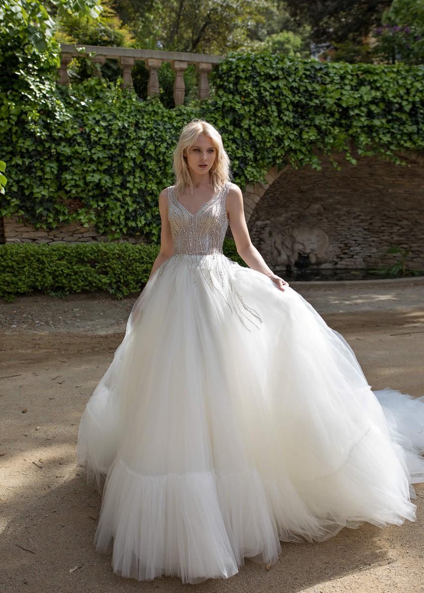 فساتين زفاف بسعر المصنع