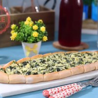 Spinach and Feta Cheese Turkish Flat Bread (Pide) Recipe