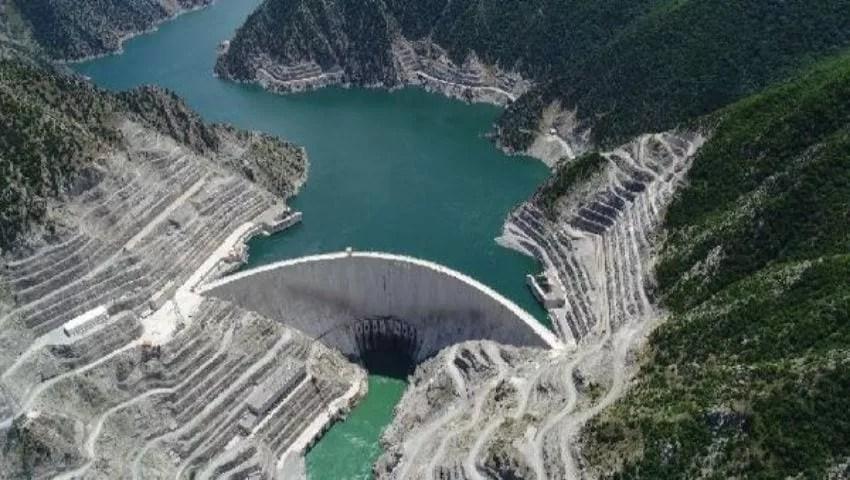 Yusefli Dam bij Artvin
