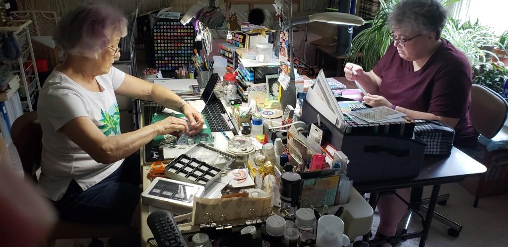 jenn-and-carmen-cardmaking