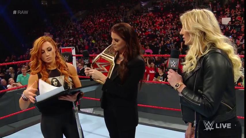 Becky Lynch enfrentará a Charlotte en Fastlane
