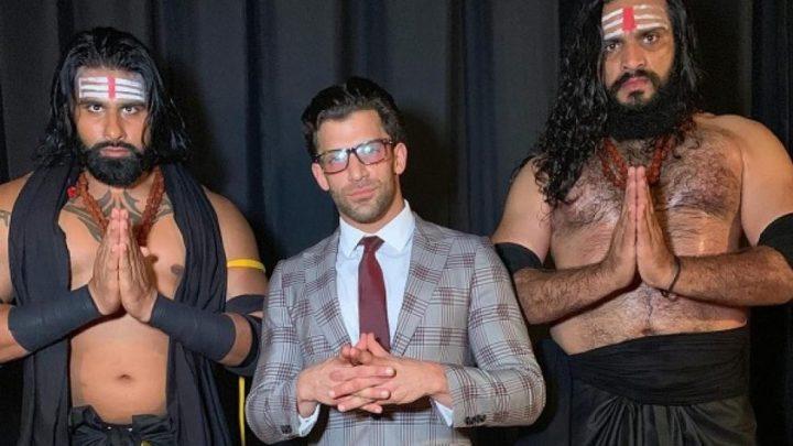 Robert Strauss forma un stable en NXT